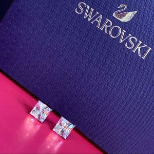 SWAROVSKI | COLORLESS CRYSTAL EARRINGS | BRAND NEW